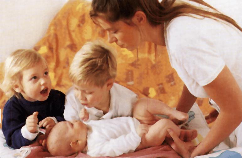 baño y cambio panales del bebé
